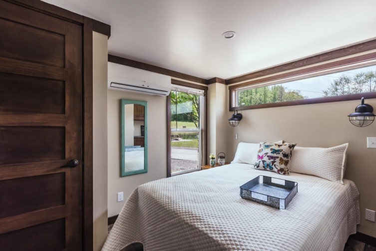 bedroom in tiny home at Waterside at Blue Ridge